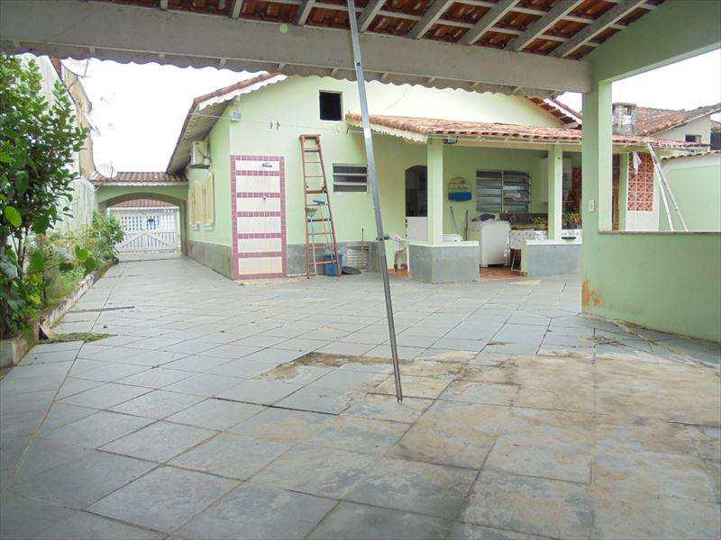 Casa em Mongaguá, no bairro Vila Seabra