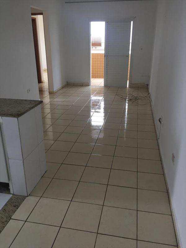 Apartamento em Mongaguá, no bairro Balneário Itaóca