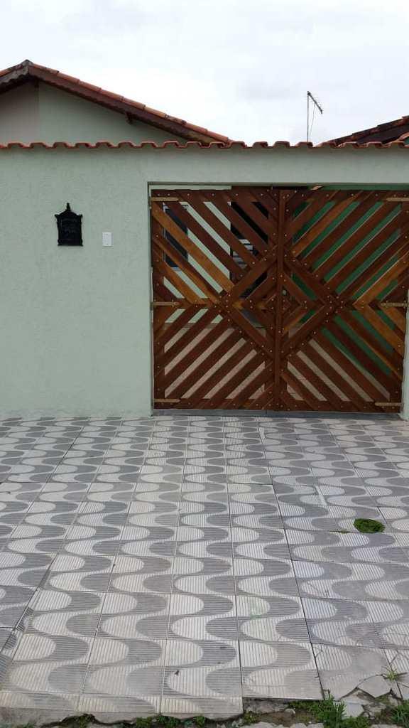 Casa em Mongaguá, no bairro Vila Nossa Senhora de Fátima