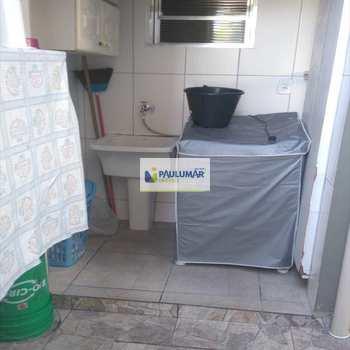 Sobrado em Mongaguá, bairro Jardim Santana