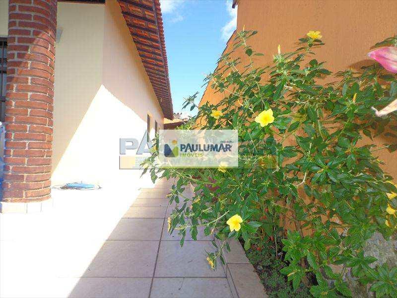 Casa em Mongaguá, bairro Vila Vera Cruz
