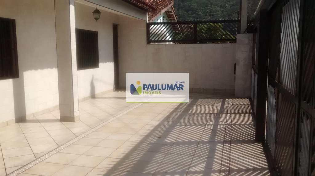 Casa em Mongaguá, no bairro Vila São Paulo