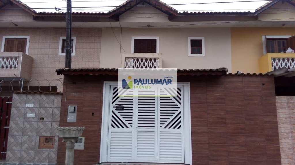Sobrado em Mongaguá, bairro Nossa Senhora Fátima