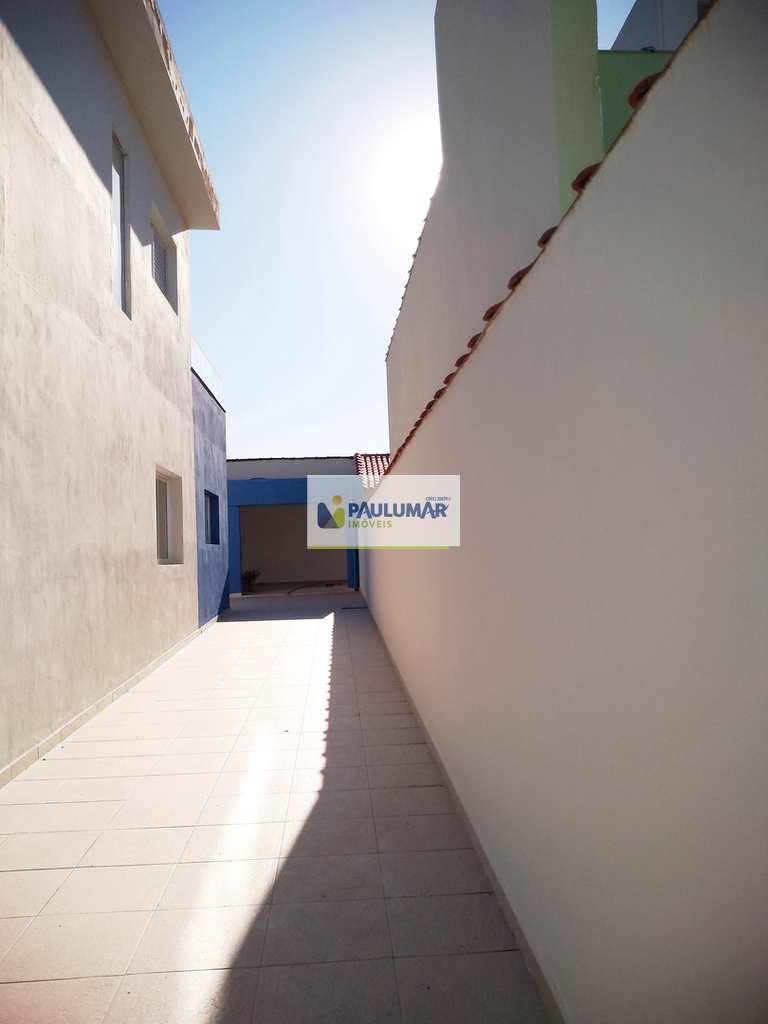 Sobrado em Mongaguá, no bairro Itaóca
