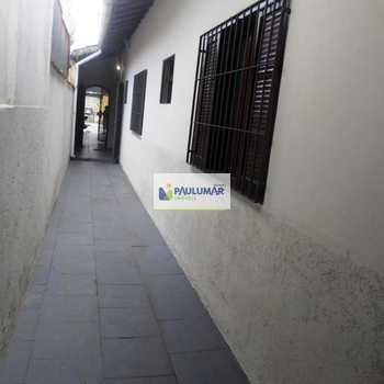 Casa em Praia Grande, bairro Vila Mar