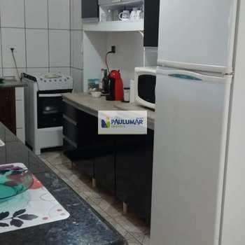 Sobrado em Mongaguá, bairro Jardim Guanabara