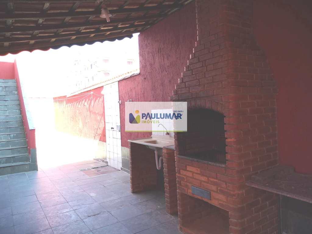 Sobrado em Mongaguá, no bairro Itaguaí