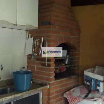 Sobrado em Mongaguá, bairro Balneário Santa Eugênia