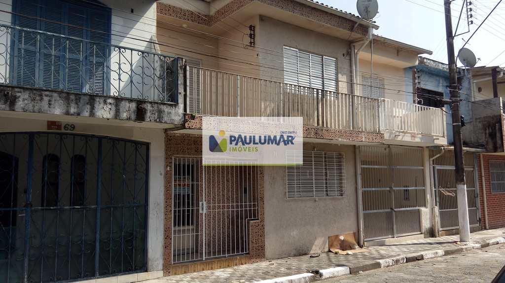 Casa em Mongaguá, no bairro Centro