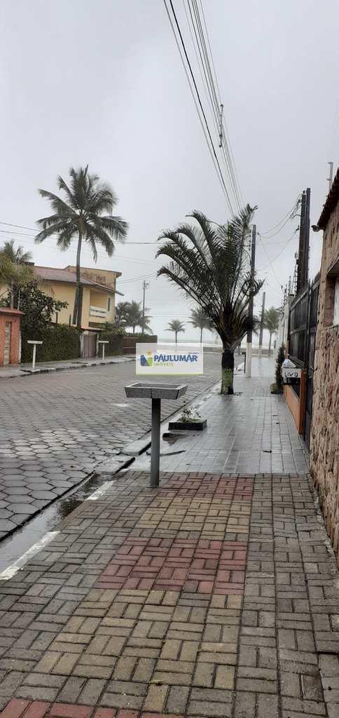 Sobrado em Mongaguá, no bairro Jardim Marina