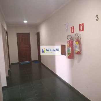 Apartamento em Mongaguá, bairro Agenor de Campos