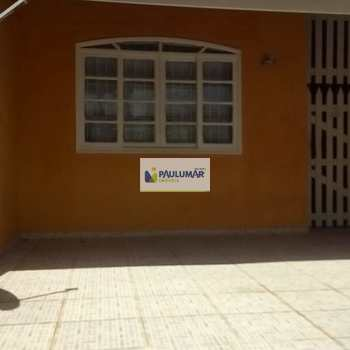 Sobrado em Mongaguá, bairro Jardim Itapoan