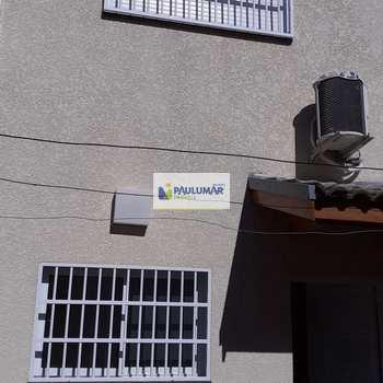 Sobrado em Mongaguá, bairro Centro