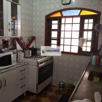 Sobrado em Mongaguá, bairro Vila Anhanguera