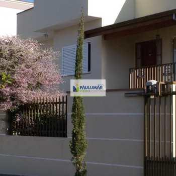 Casa em Águas de São Pedro, bairro Centro
