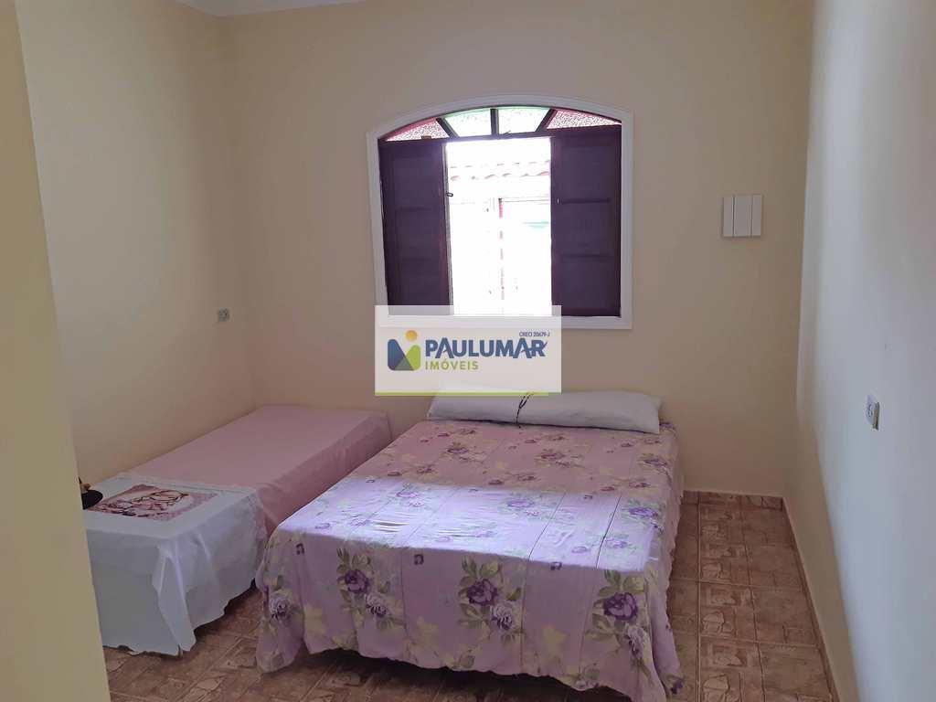 Casa em Mongaguá, no bairro Flórida Mirim