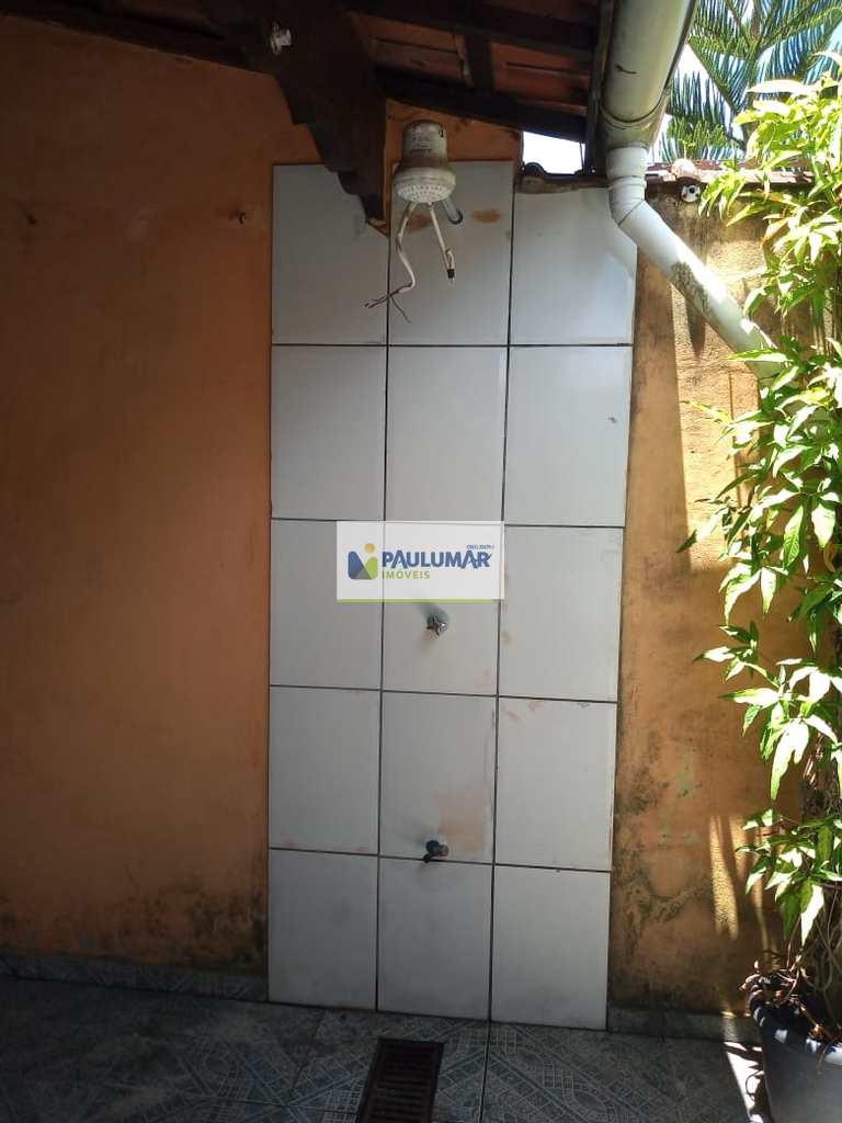 Sobrado em Mongaguá, no bairro Balneário Itaóca