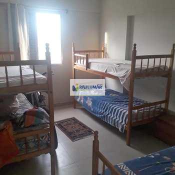 Apartamento em Mongaguá, bairro Vila Vera Cruz