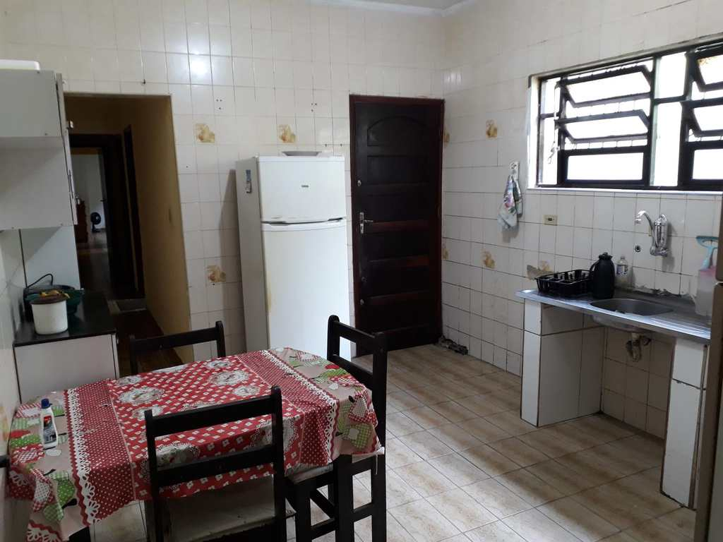 Casa em Praia Grande, no bairro Boqueirão