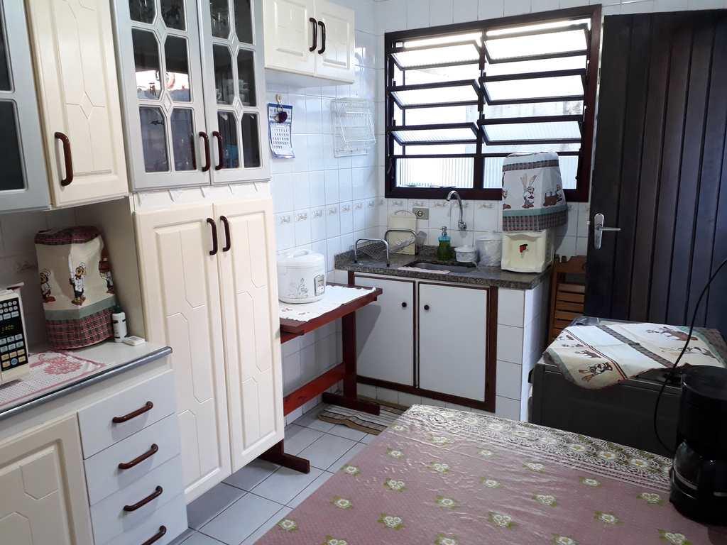 Casa de Condomínio em Praia Grande, no bairro Guilhermina