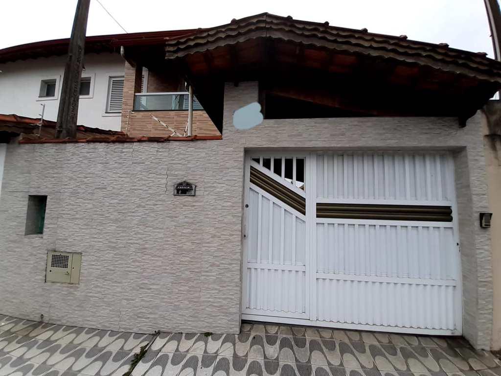 Sobrado em Praia Grande, no bairro Boqueirão
