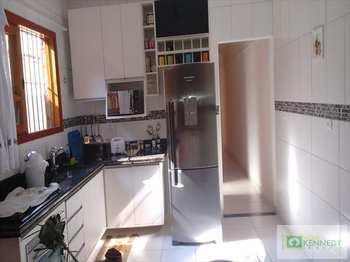 Casa, código 14716703 em Praia Grande, bairro Maracanã