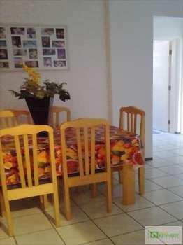 Apartamento, código 12257702 em Praia Grande, bairro Caiçara