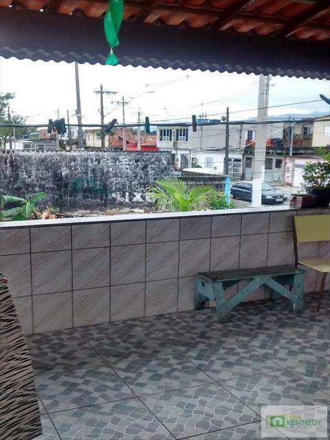 Sobrado em Praia Grande, bairro Nova Mirim