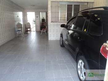 Casa, código 722006 em Praia Grande, bairro Canto do Forte