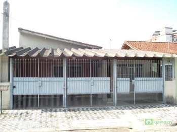 Casa, código 232602 em Praia Grande, bairro Caiçara