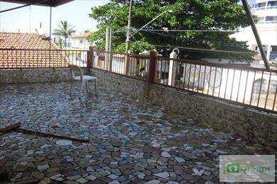 Sobrado em Praia Grande, bairro Caiçara