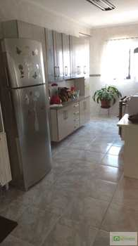 Apartamento, código 14876456 em Praia Grande, bairro Aviação