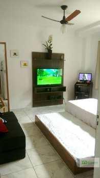 Apartamento, código 14877766 em Praia Grande, bairro Guilhermina