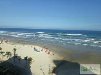 Apartamento, código 14878348 em Praia Grande, bairro Mirim