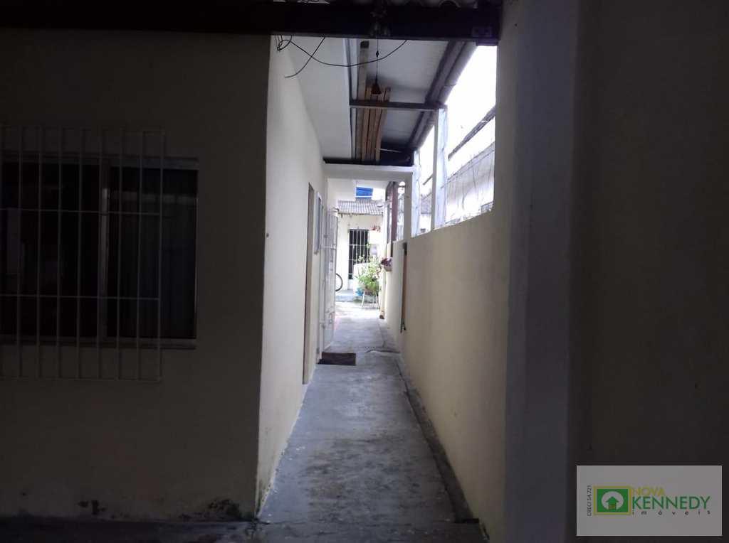 Casa em Praia Grande, no bairro Melvi
