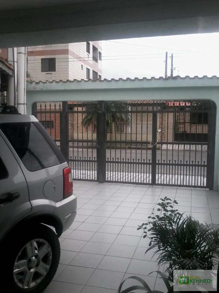 Casa em Praia Grande, no bairro Caiçara
