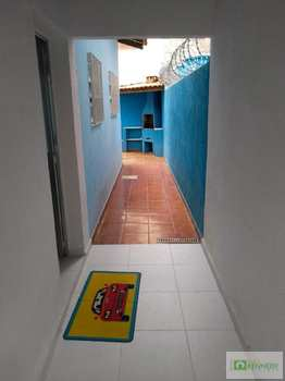 Casa, código 14879556 em Praia Grande, bairro Guilhermina
