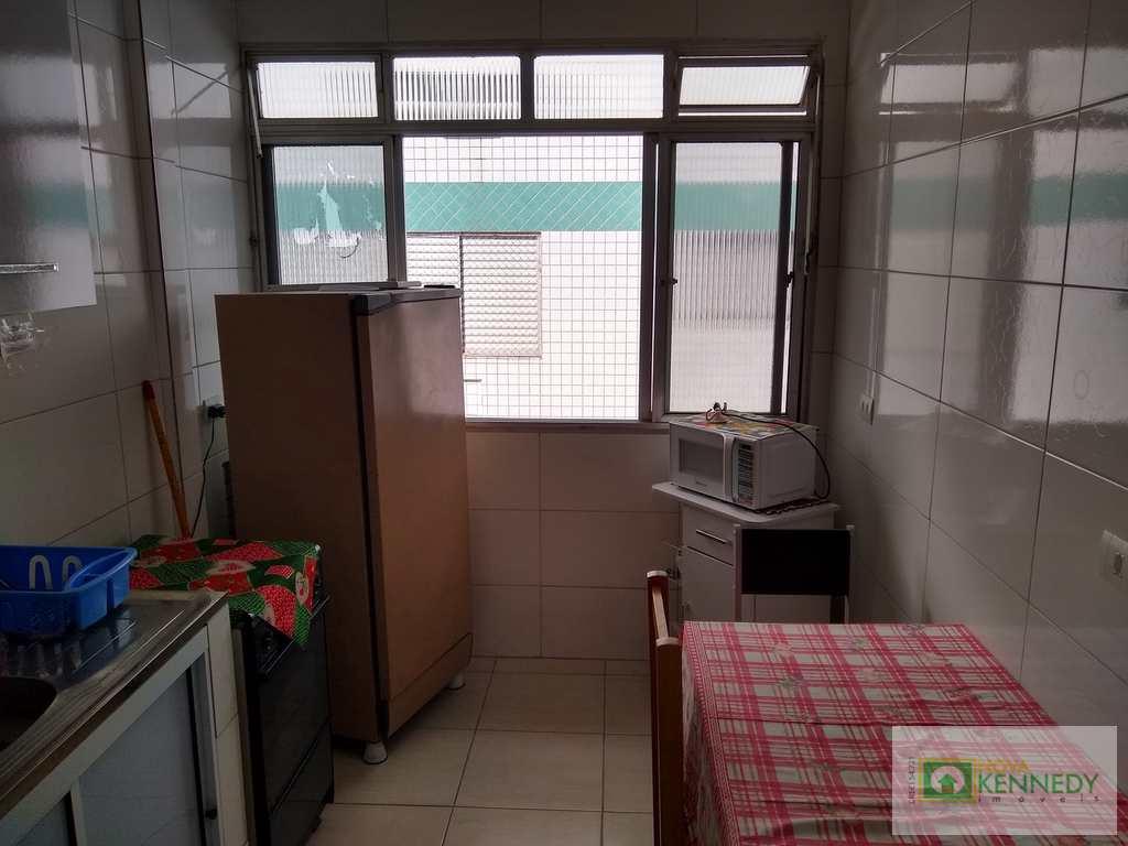 Kitnet em Praia Grande, no bairro Boqueirão