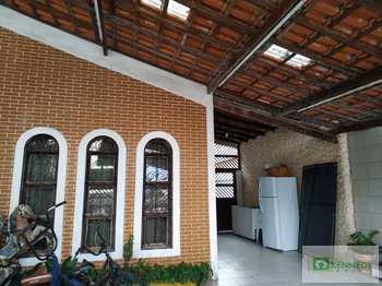 Casa, código 14880198 em Praia Grande, bairro Guilhermina