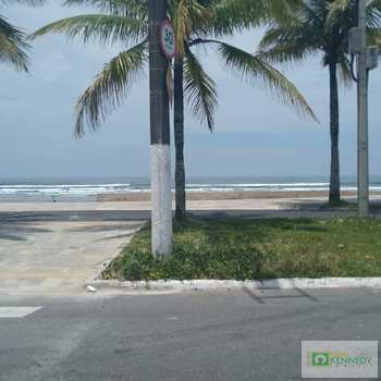 Casa em Praia Grande, bairro Solemar