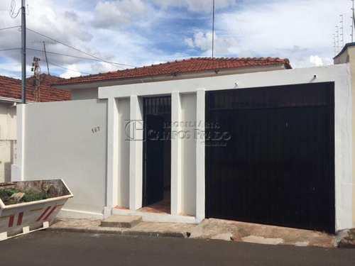 Casa, código 2175 em Jaú, bairro Centro