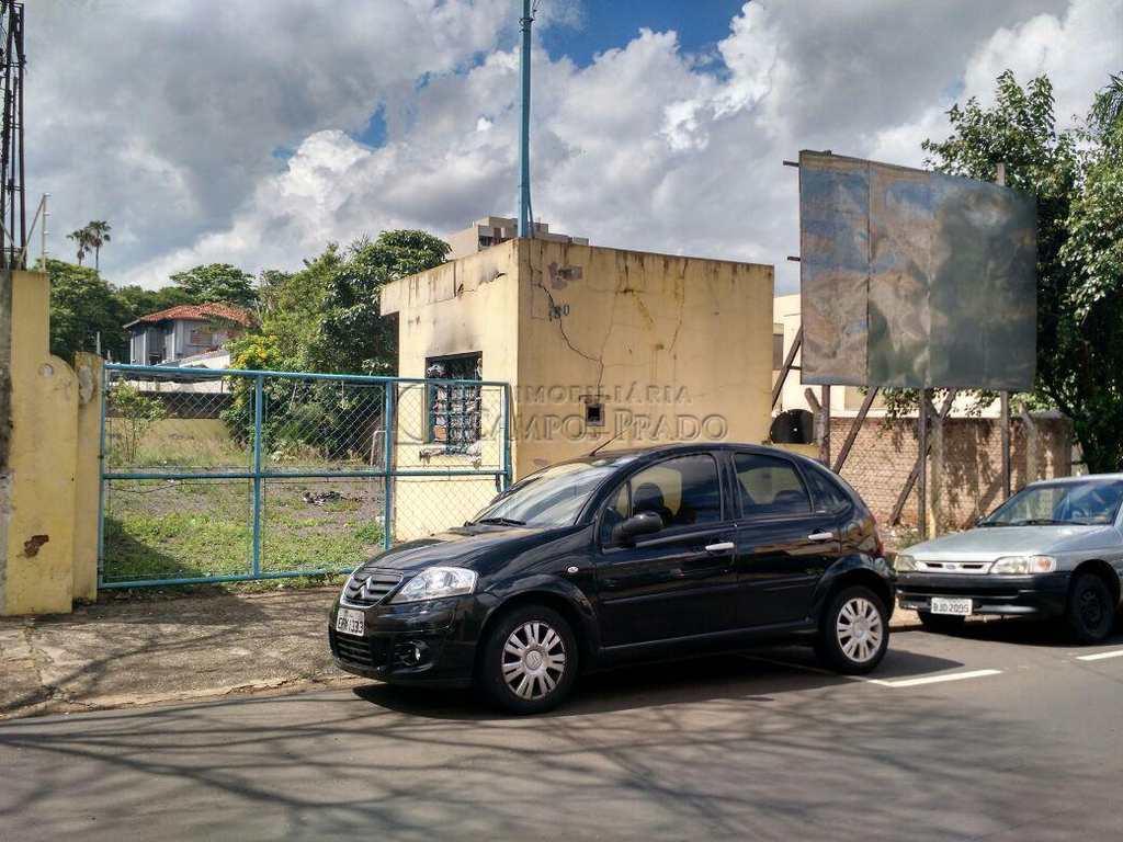 Terreno Comercial em Jaú, bairro Centro