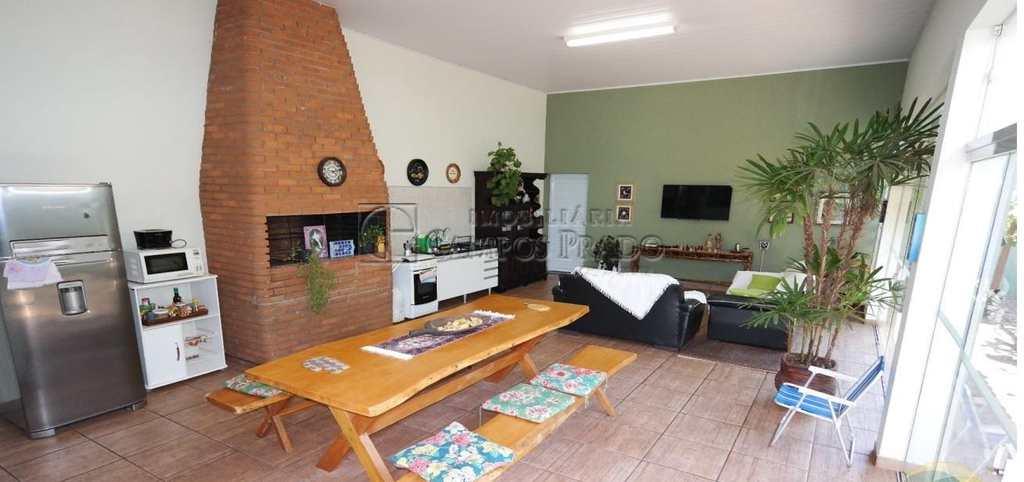 Casa em Jaú, bairro Jardim América