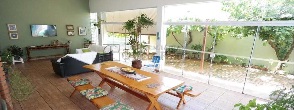 Casa em Jaú, no bairro Jardim América