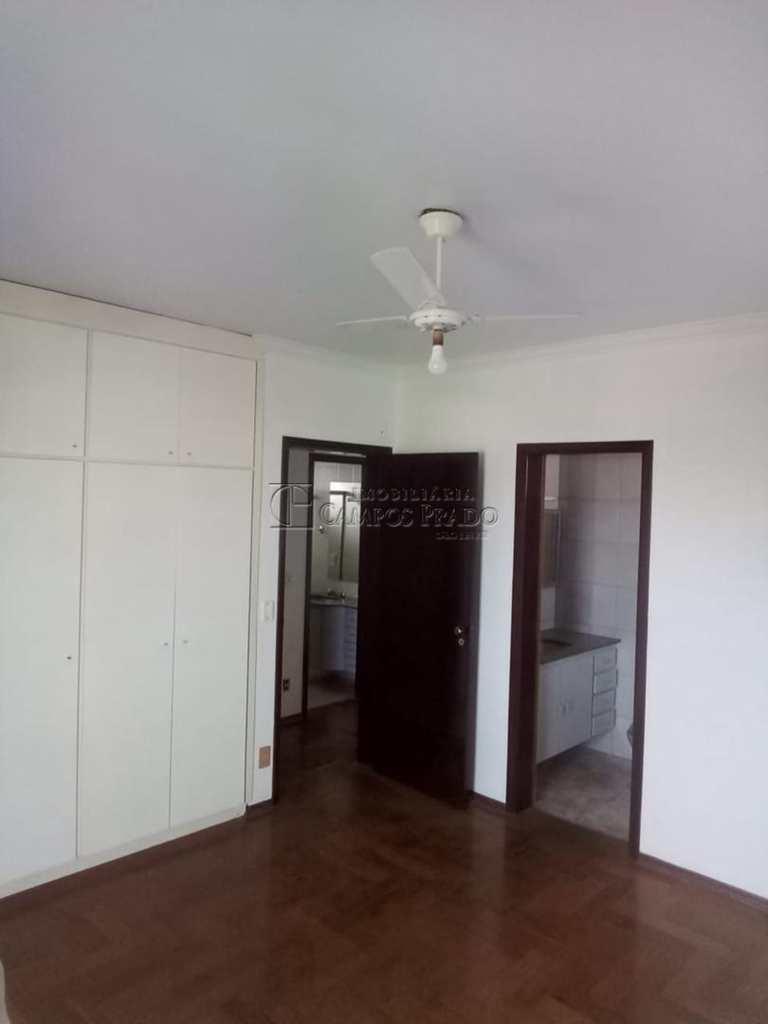 Apartamento em Jaú, bairro Vila Hilst