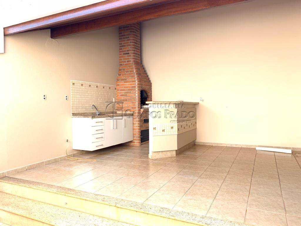 Casa em Jaú, no bairro Jardim Maria Luiza II