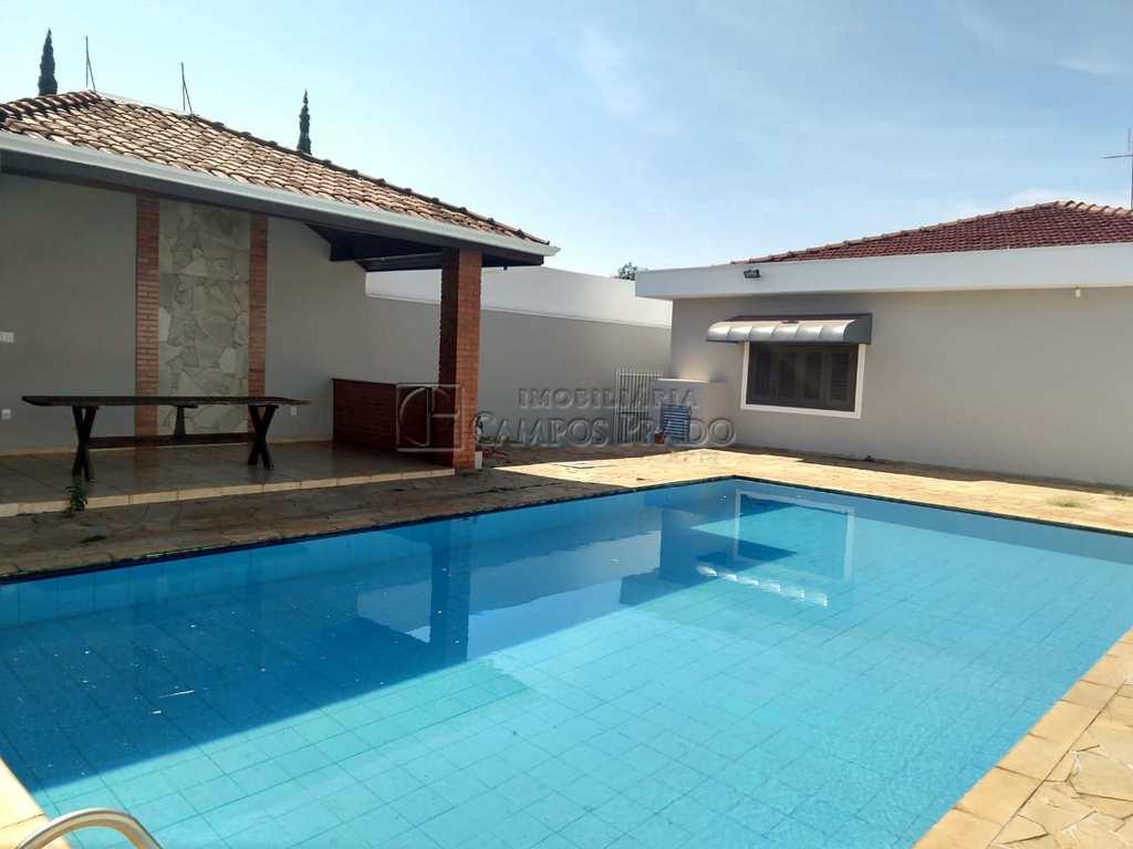 Casa em Jaú, no bairro Jardim Maria Luiza I