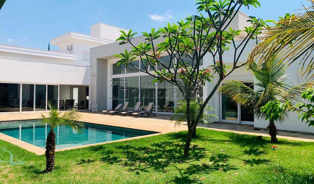 Casa em Jaú, bairro Vila Real