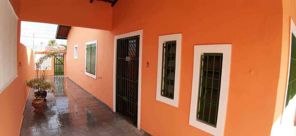 Casa em Itanhaém, no bairro Jardim Cibratel