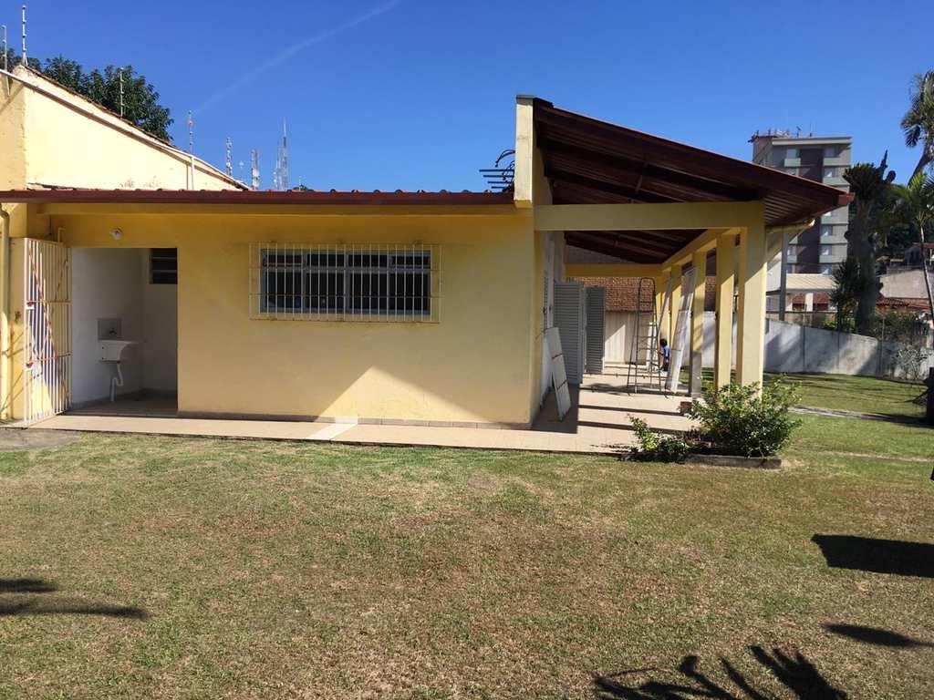 Casa em Itanhaém, no bairro Praia do Sonho